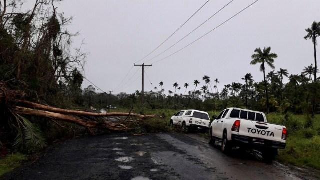 Poderoso ciclón Yasa deja una estela de destrucción a su paso por Fiji