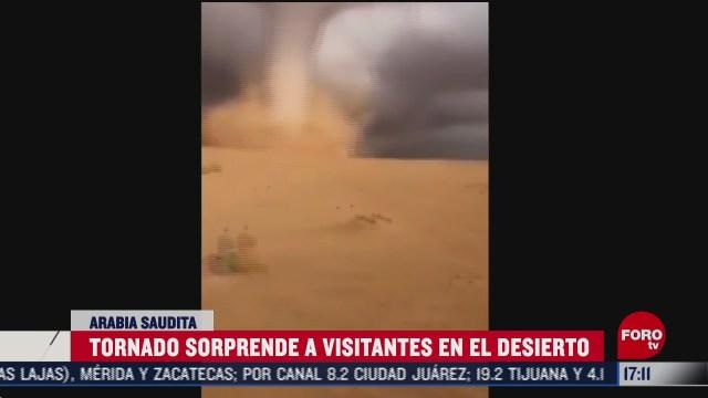 tornado sorprende a turistas en arabia saudita