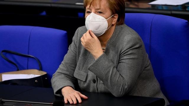Merkel-busca-reforzar-restricciones-contra-COVID-19