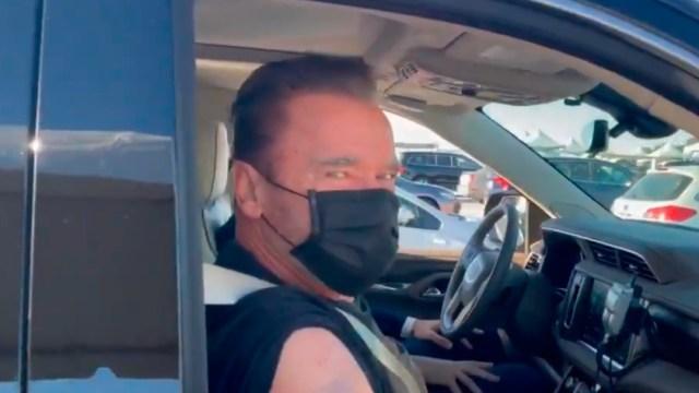 Arnold Schwarzenegger invita a colocarse vacuna contra covid con frase de Terminator
