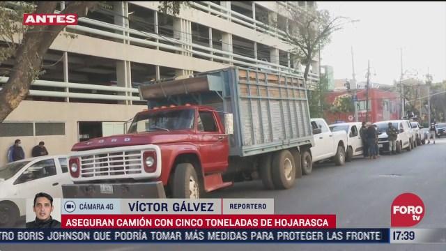 aseguran camion con cinco toneladas de hojarasca en cdmx