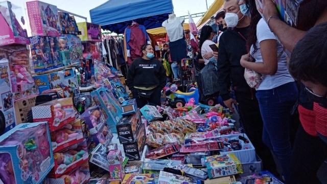 Así lucen los mercados de juguetes en CDMX previo al Día de Reyes