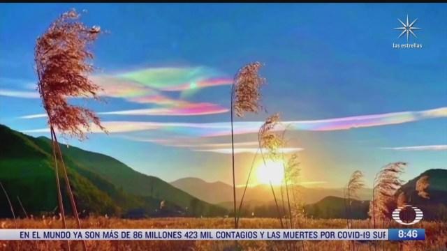 captan en video espectaculares nubes arcoiris