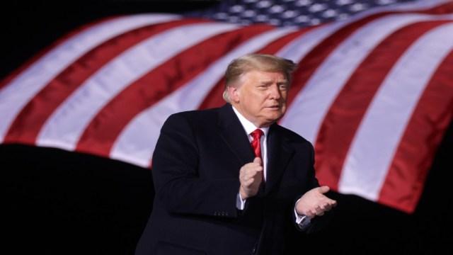 Juicio político de Donald Trump pasa al Senado