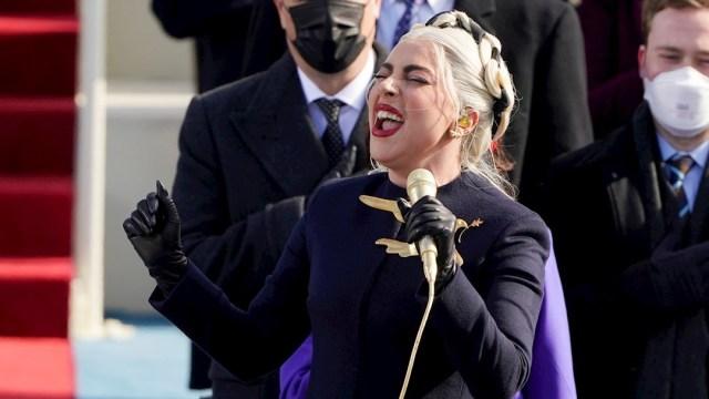 Lady Gaga interpretó el himno nacional de EEUU en la ceremonia de toma de posesión de Joe Biden