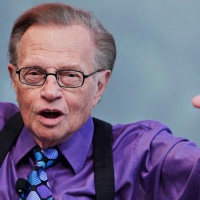 Muere Larry King, famoso presentador de televisión, tras complicaciones por COVID