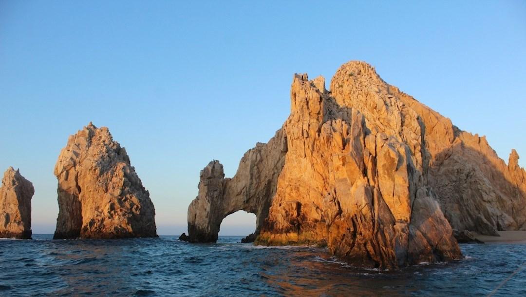 Turistas-canadienses-cancelan-viajes-a-Los-Cabos