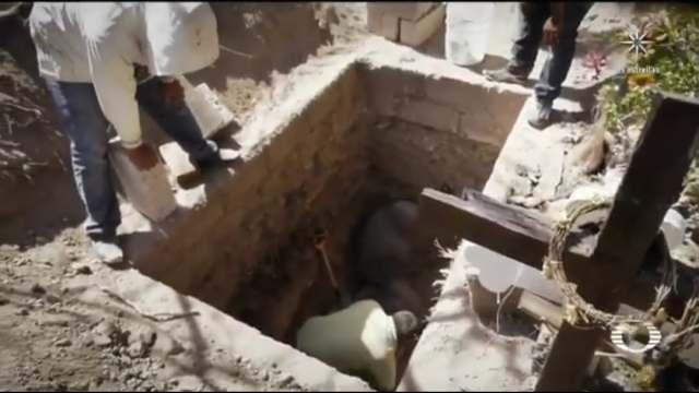 Panteones en Hidalgo exhuman antiguos cadáveres para enterrar fallecidos por COVID-19