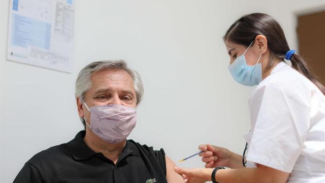 Presidente-de-Argentina-recibe-vacuna-rusa-Sputnik-V