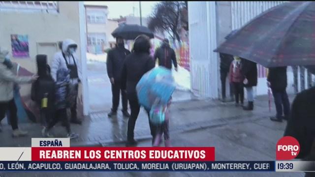 Escuelas de Madrid reabren tras nevadas
