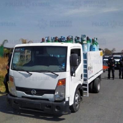 Roban-camión-con-40-tanques-de-oxígeno-en-Edomex