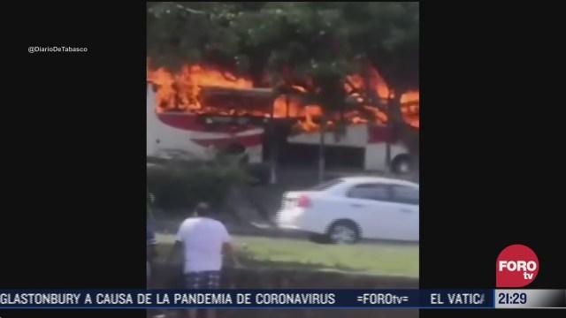 se incendia autobus de pasajeros en tabasco