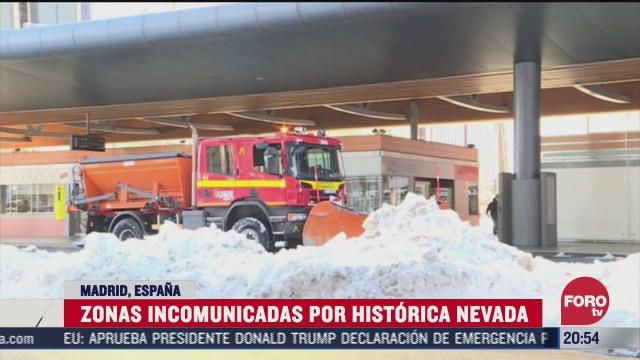 Madrid, España, con zonas incomunicadas por histórica nevada