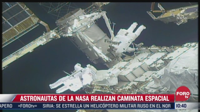 asi realizan caminata espacial astronautas de la nasa