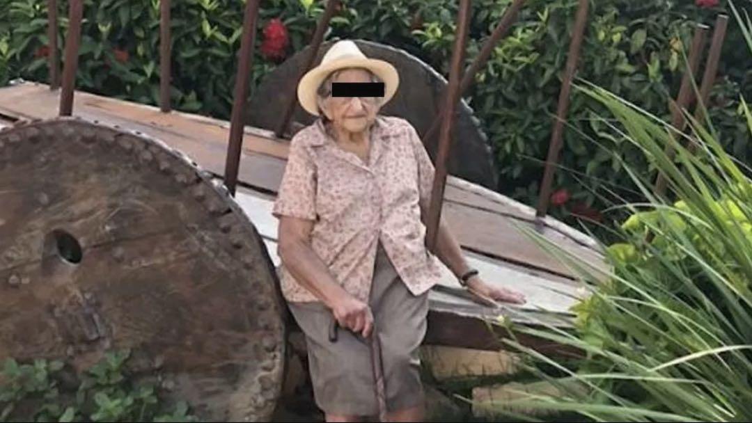 Anciana Atropellada Hija Vacunarse COVID-19