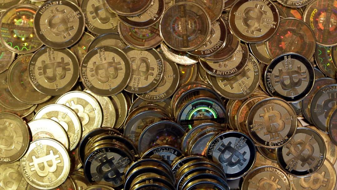 Bitcoin alcanza nuevo máximo histórico, cerca de los 52 mil 900 dólares