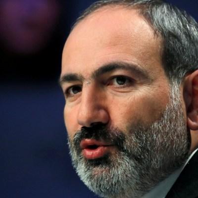 El primer ministro de Armenia denuncia un intento de golpe de Estado militar