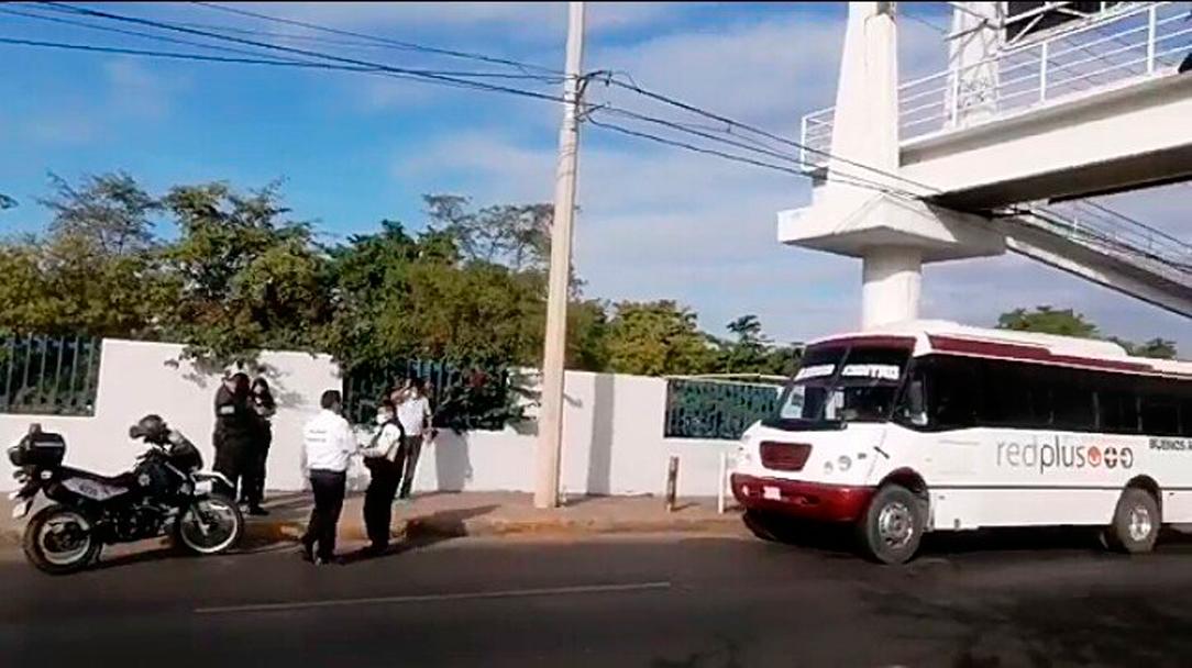 Apuñaló a su esposa a bordo del transporte público en Culiacán, Sinaloa
