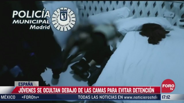 jovenes se ocultan debajo de camas para evitar detencion en espana