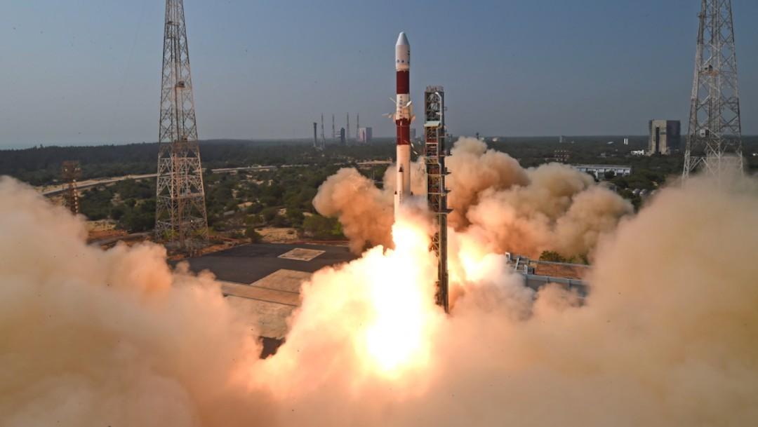 India pone en órbita el primer nanosatélite mexicano hecho por la UNAM