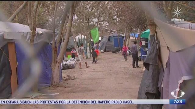 migrantes en matamoros esperan horas para tramitar asilo en eeuu