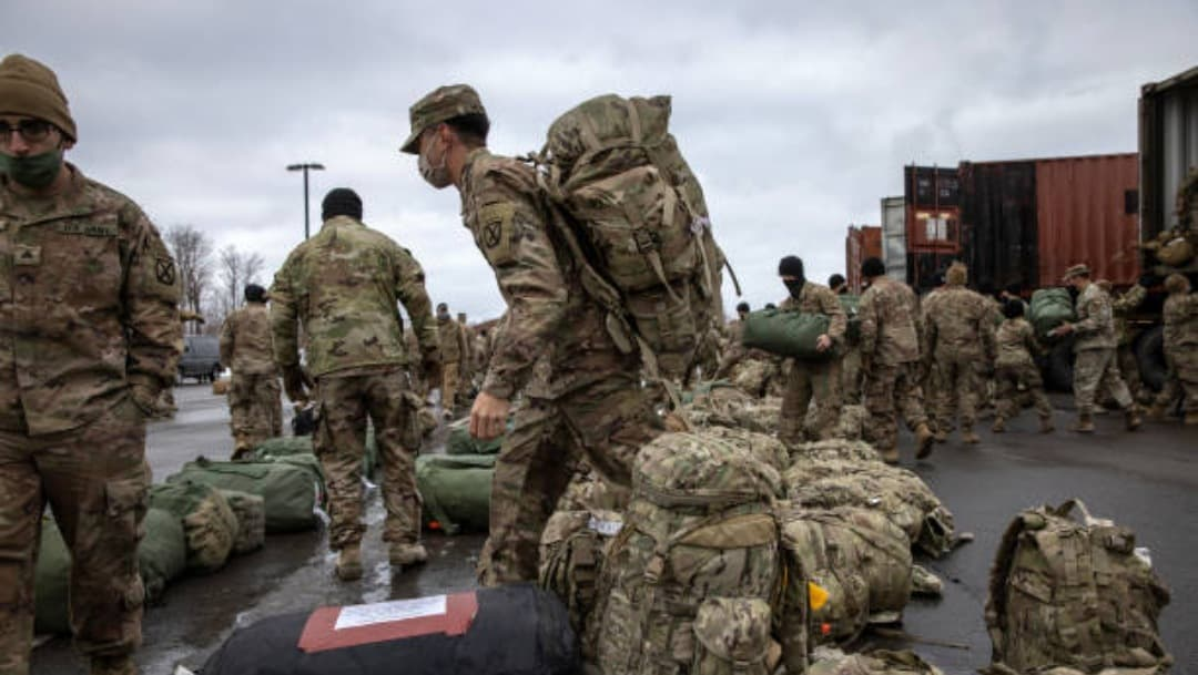 Secretario de Estado de EEUU continúa negociaciones de paz en Afganistán