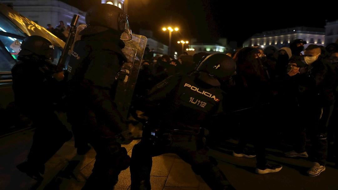 Video y fotos: Se registran violentas protestas en España por arresto del rapero Pablo Hasél