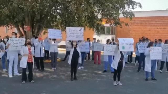 Video: Médicos exigen vacuna COVID-19 en Guadalajara