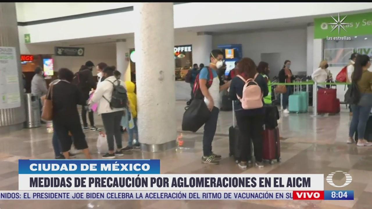 aglomeraciones en aeropuerto de cdmx por vacaciones de semana santa
