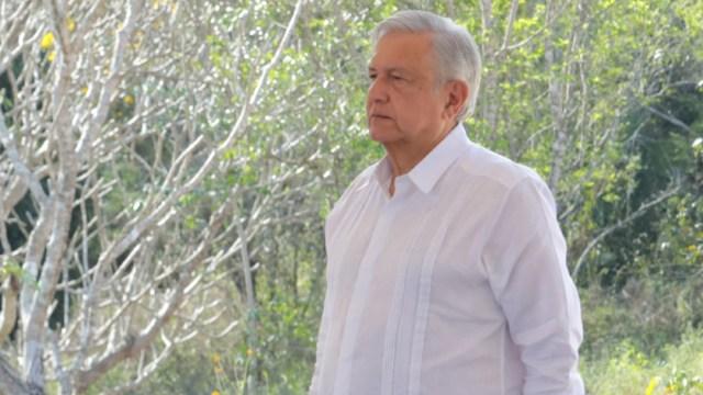El presidenteAndrés Manuel López Obrador en su gira por el poblado de Maxcanú, en Yucatán