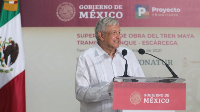 AMLO urge a empresas que construyen Tren Maya a redoblar esfuerzos