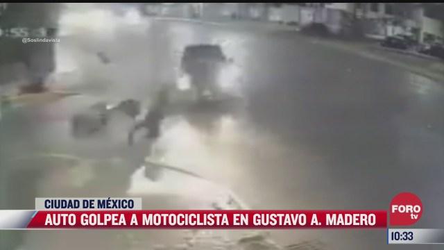 asi impacta un automovil a un motociclista en la gam
