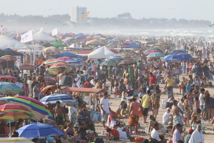Restricciones a turistas en playa Miramar en Semana Santa