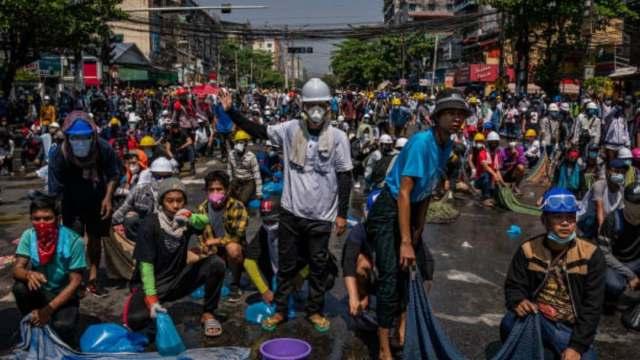 Dos personas mueren en Myanmar por disparos de la policía