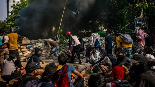 EEUU ordena evacuación de funcionarios estadounidenses no esenciales de Myanmar