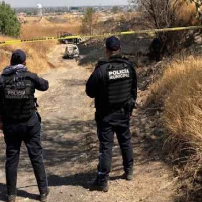 Localizan un cuerpo calcinado dentro de auto en Salamanca, Guanajuato