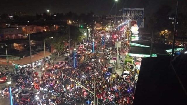 Cientos de motociclistas en CDMX (Twitter: @fercho_enc)