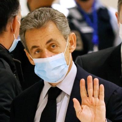 Nicolas Sarkozy es condenado a tres años de cárcel por corrupción y tráfico de influencias