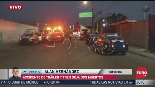 accidente de trailer y tren deja 2 muertos en edomex