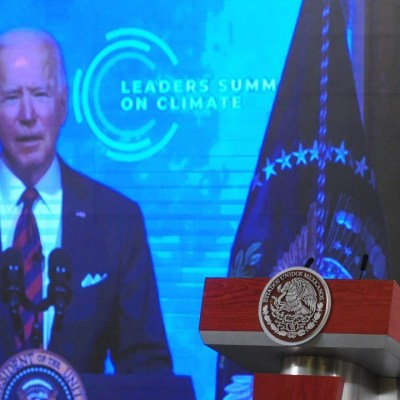 El presidente de México, Andrés Manuel López Obrador, y el mandatario Joe Biden, durante la Cumbre del Cambio Climático
