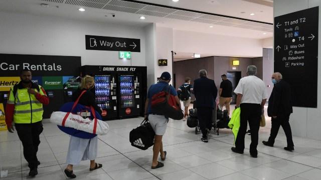 Australia suspende temporalmente los vuelos de la India por COVID-19