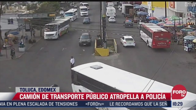 camion de transporte publico atropella a policia de transito en toluca