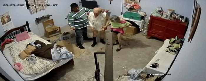 Asaltante golpea a adultos mayores en Maravatío, Michoacán