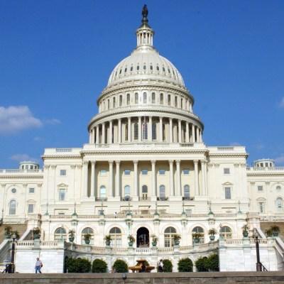 EEUU no presentará cargos contra policía del Capitolio implicado en tiroteo que mató a una de las asaltantes