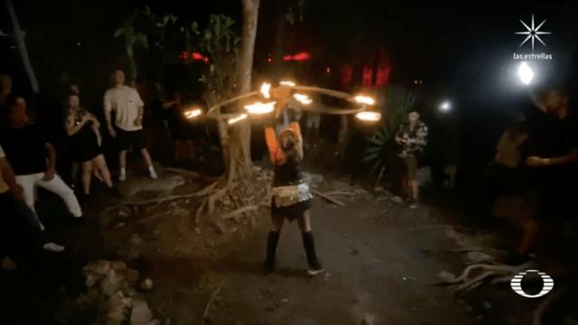 Fiestas clandestinas en Tulum, cientos bailan sin cubreboca bajo la luna llena