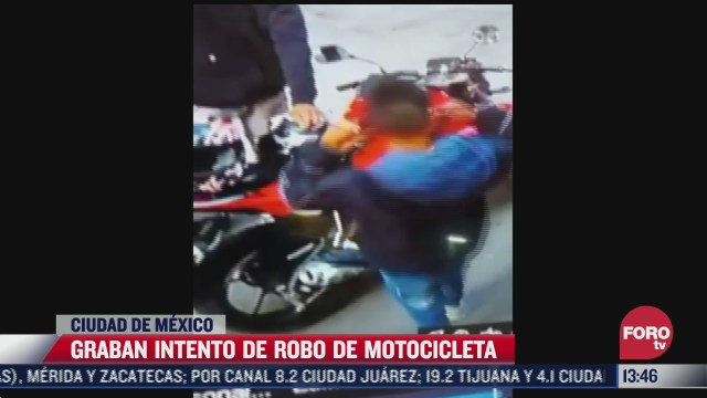 graban a delincuentes tratando de robar una motocicleta en la alcaldia tlahuac