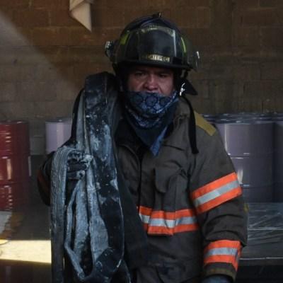 Incendio en recicladora de Zapotlán El Grande, Jalisco, moviliza a cuerpos de emergencia