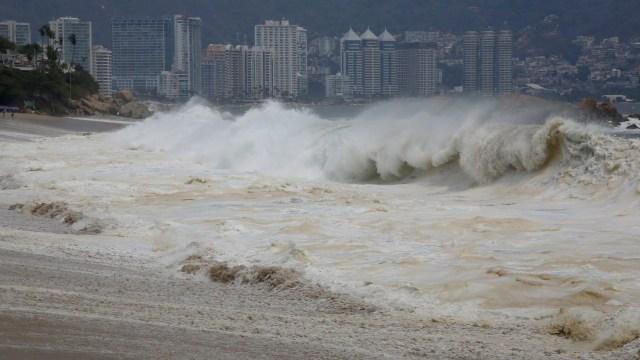 Emiten-alerta-por-mar-de-fondo-en-Acapulco