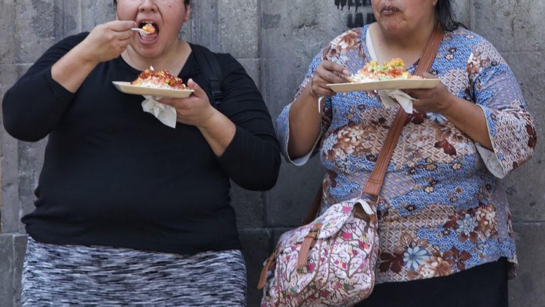 Mexicanos suben de peso por cambio de hábitos y encierro durante la pandemia