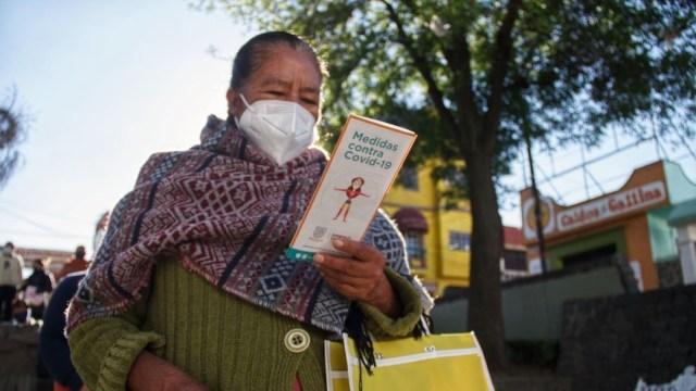 Adultos mayores en Milpa Alta esperan la segunda dosis de vacuna COVID-19 (Cuartoscuro)